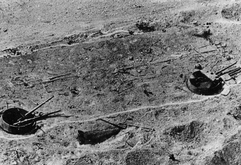 Разрушенные позиции 30-й батареи с воздуха. Лето 1932 г.