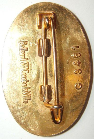 Аверс и реверс знака 60-го пехотного полка.