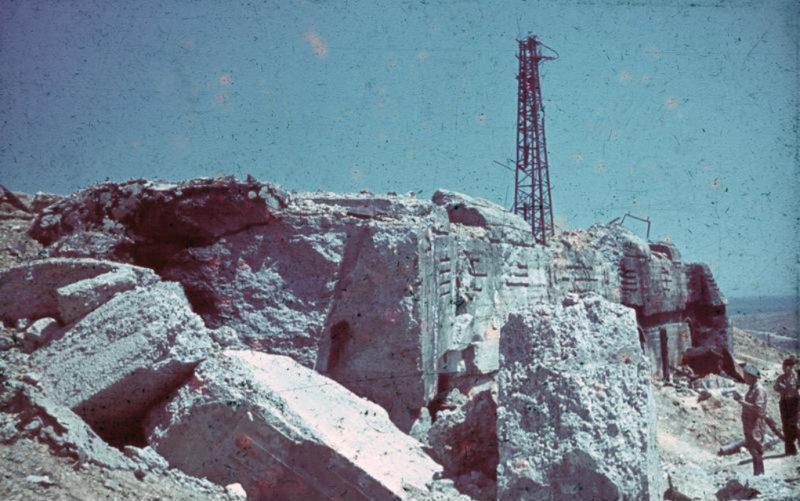 Руины 30-й батареи. Июль 1942 г.