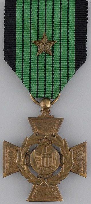 Аверс и реверс Военного креста LVF.