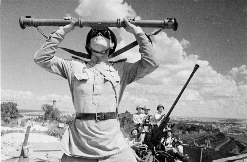 На страже неба освобожденного города. Лето 1944 г.