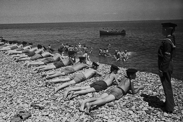 Возвращение к мирной жизни. Лето 1944 г.