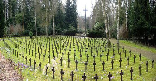 г. Берлин. Военное кладбище немецких солдат, погибших в годы обеих мировых войн.