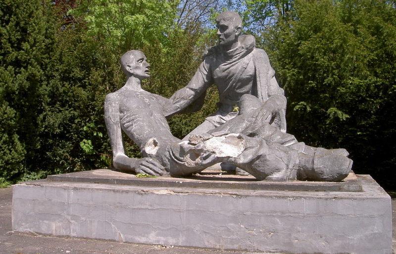 г. Бад-Кёзен. Памятник советским воинам.