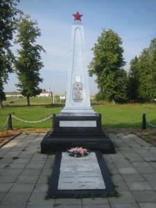 д. Бородичи Зельвенского р-на. Братская могила советских воинов.