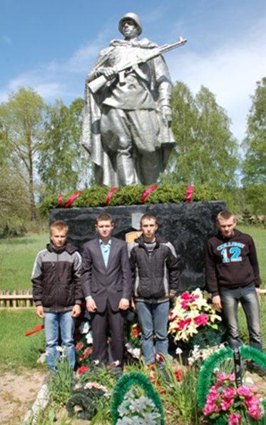 д. Волынцы Кормянского р-на. Братская могила воинов, погибших в годы войны.