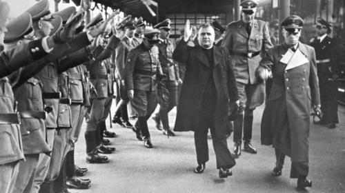 Президент Словацкой Республики Йозеф Тисо в Германии. 1939 г.