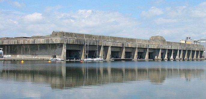 Общий вид бункера подлодок в Сен-Назере.