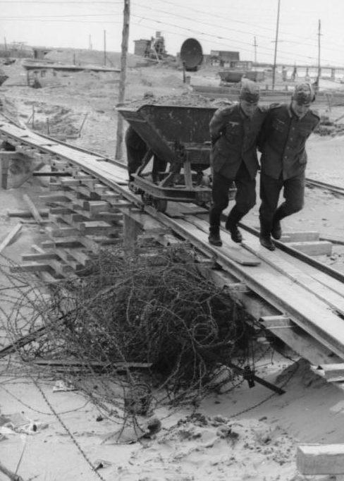 Строительство укреплений. Нормандия. 1940 г.