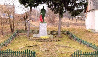 д. Забердово Кореличского р-на. Памятник советским воинам.