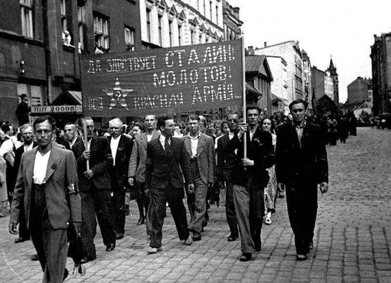 Митинг за присоединение Латвии к СССР. Июль 1940г.