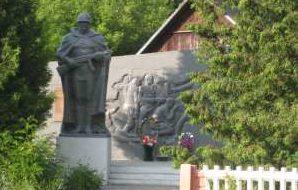 д. Грицевичи Берестовицкого р-на. Памятник землякам, погибшим в годы войны.