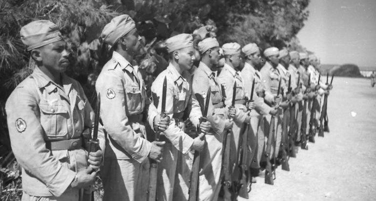 Подготовка солдат арабских ВВС. 1943 г.