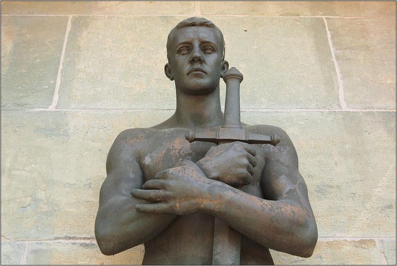 г. Висбаден. Памятник павшим немецким солдатам на городском кладбище.