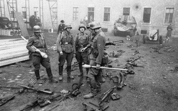 Солдаты дивизии во время битвы за Берлин. Апрель 1945 г.