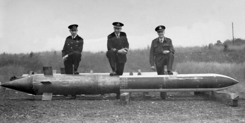 2-тонная бетонобойная ракетная бомба «Disney Bomb».