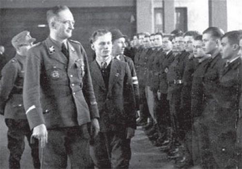 Инспекция руководством СС батальона «Дальвитц». 1944 г.