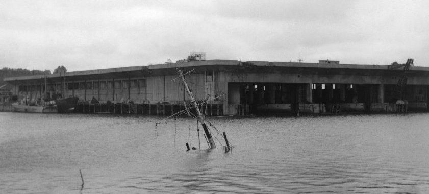 Бункера Nordsee-III в после авиационных налетов союзников 18 и 19 апреля 1945 года.