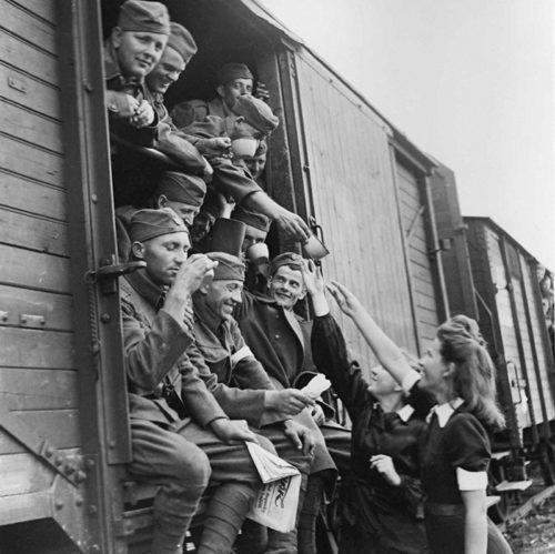 Словацкие солдаты едут на Восточный фронт. 1941 г.