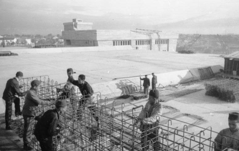Строительство укрытий для подводных лодок. Франция. La Pallice. 1942 г.