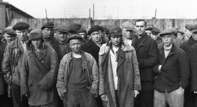 Мужской лагерь остарбайтеров. 1942 г.