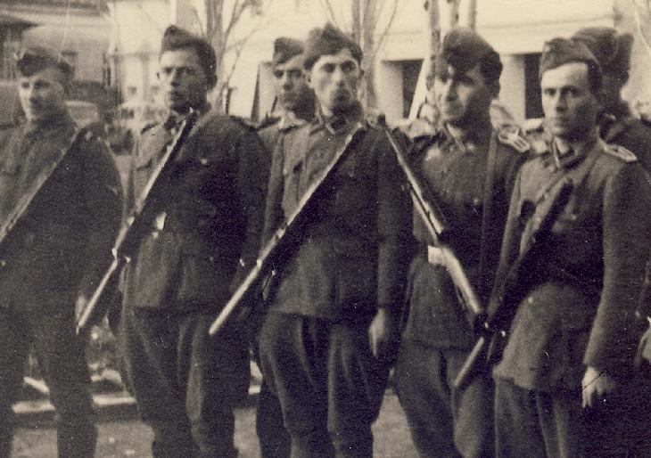 Солдаты легиона.
