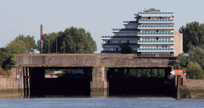 Бункер «Hornisse» в качестве основания офисного здания.