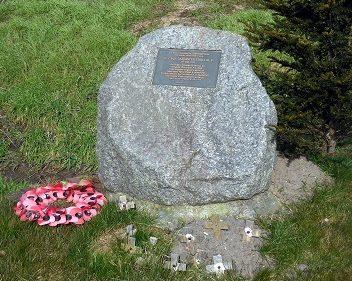 г. Боркен. Памятный знак экипажу бомбардировщика Ланкастер 617 эскадрильи «Дамбастер» RAF, погибшего 16 мая 1943 года.