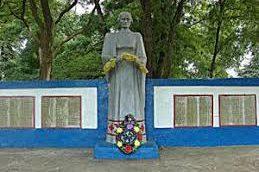 д. Кошелево Буда-Кошелевского р-на. Памятник землякам, не вернувшимся с войны.
