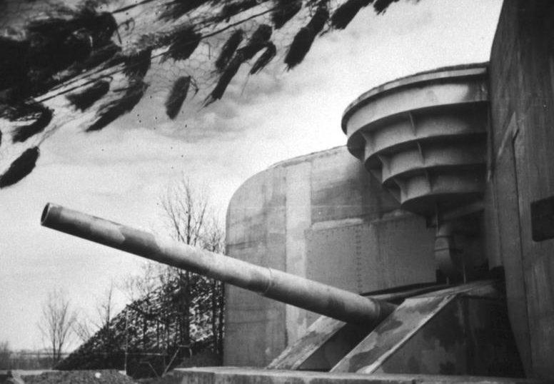 380-мм орудие береговой батареи в Bereitchaft. 1942 г.