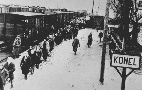 Оправка невольников в Германию. Ковель 1943 г.