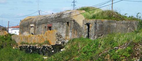 Каземат у бункера подводных лодок.