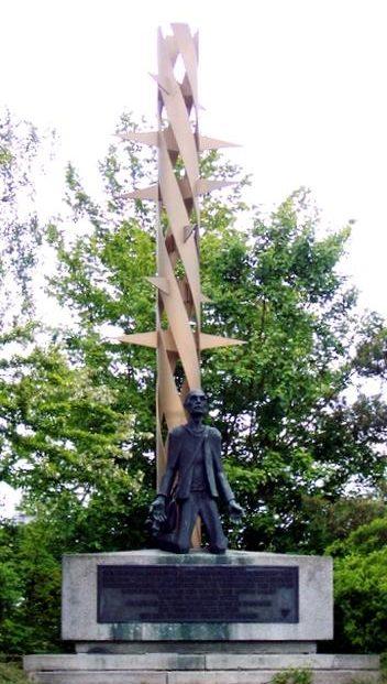 д. Мошендорф. Памятник на месте принудительного трудового лагеря.