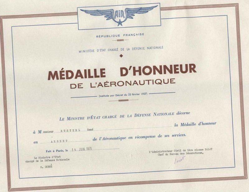 Свидетельство о награждении медалью авиации.