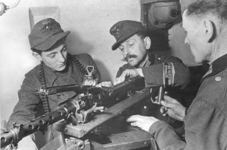 Обучение солдат корпуса.