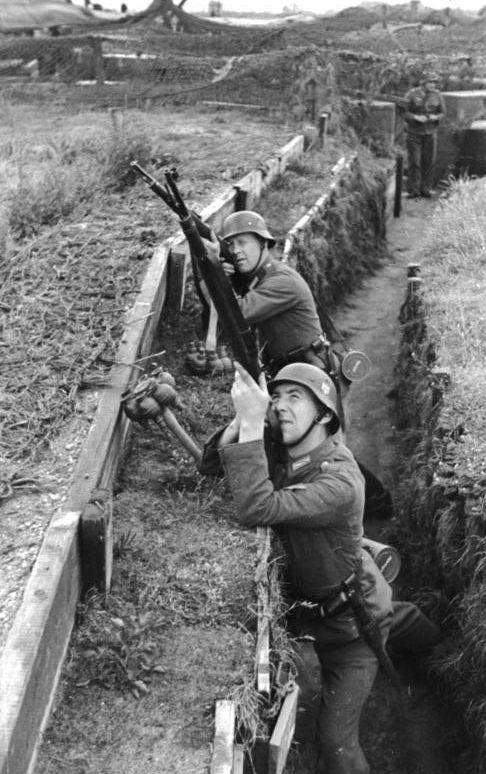 Солдаты охраны береговой батареи. 1942 г.