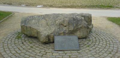 Коммуна Веце. Памятник на месте лагеря НКВД, где содержалось 230 тысяч немецких военнопленных.