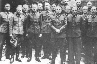 Офицеры на курсах подготовки командного состава дивизии. Октябрь 1944 г.