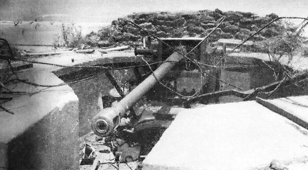 Орудие в бункере. Нормандия. 1942 г.