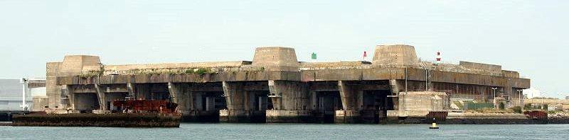 Один из 5-ти бункеров для подводных лодок сегодня.