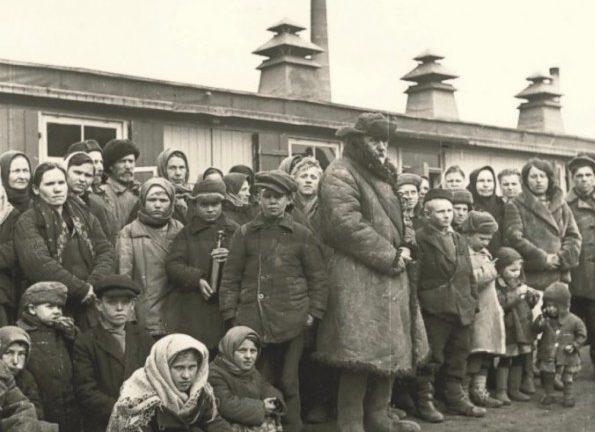 Невольники с детьми. Весна 1943 г.