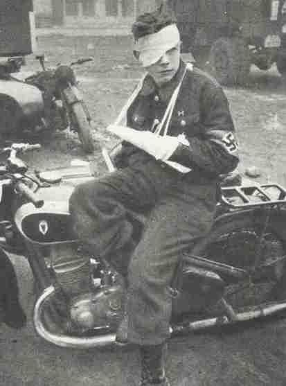 Солдат дивизии, раненный во время битвы за Будапешт. Январь 1945 г.