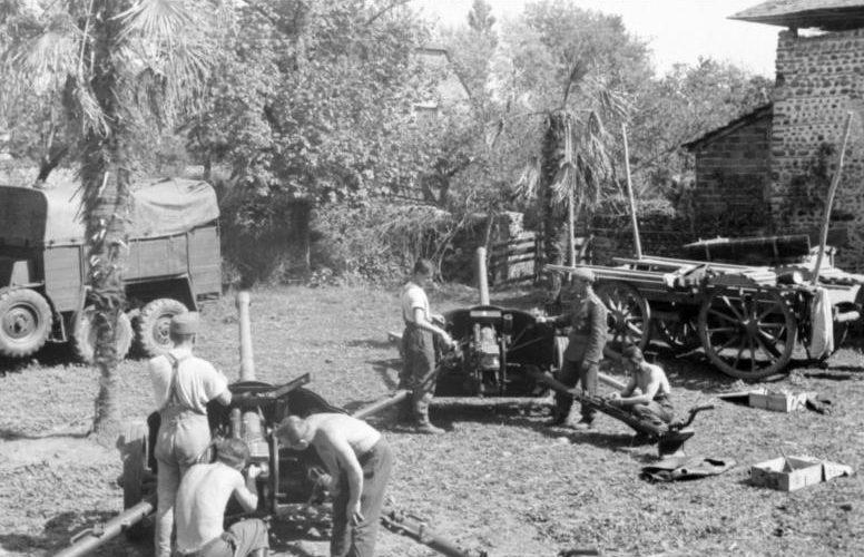 Противотанковые орудия. Нормандия. 1942 г.