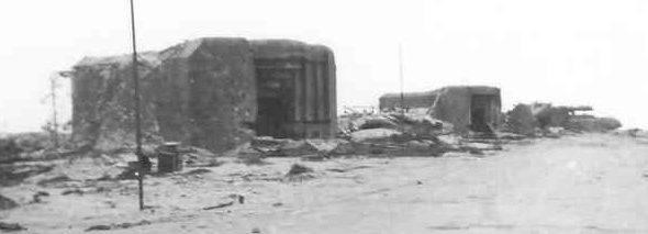 Два каземата 94-мм орудий и командный пункт.
