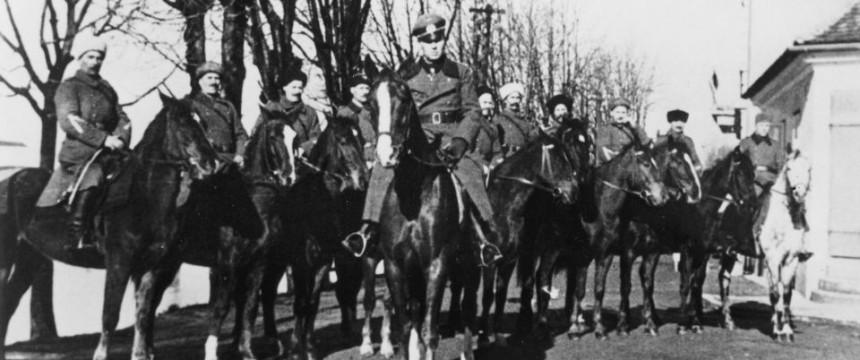 Генерал Гельмут фон Панвиц с солдатами 3-й казачьей кавалерийской дивизии.