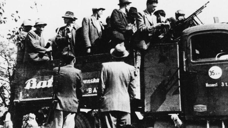 Добровольцы из Бахова едут на фронт. Август 1944 г.