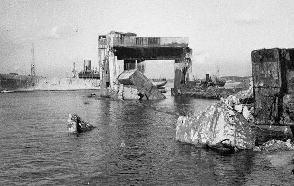 Остатки бункера после взрыва в 1946 году.