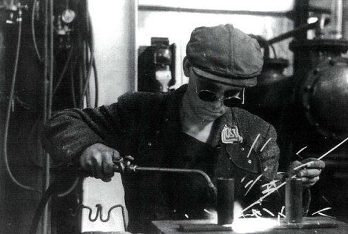 Остарбайтер на рабочем месте. 1943 г.