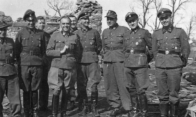 Офицеры бригады. Нарва. Апрель 1944 г.