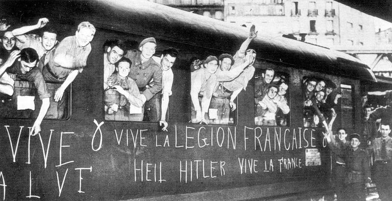 Солдаты легиона перед отправкой на Восточный фронт на парижском вокзале. Сентябрь 1941 г.
